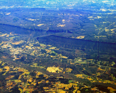Escarpment, Lookout Mountain, Georgia: wikimedia commons